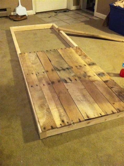salle de bain dans combles 4586 sliding barn door from reclaimed pallet wood we could