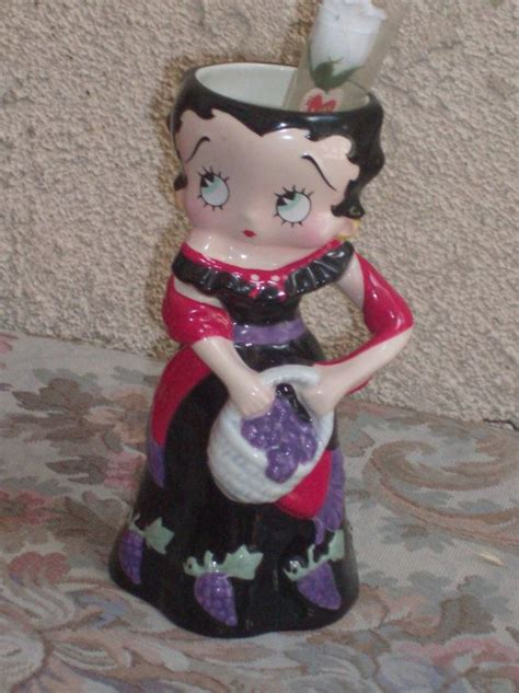 Betty Boop Vase by 17 Best Images About Betty Boop Boop Oop A Doop On Betty Boop Shoulder Bags And