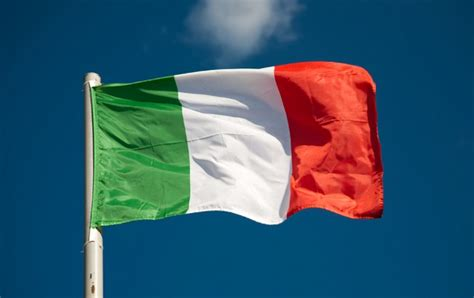 what color is the italian flag italian flag what the colors