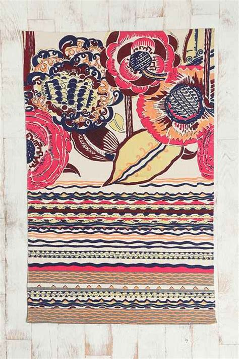Outfitters Floral Rug by 3x5 Bauhaus Floral Rug Outfitters