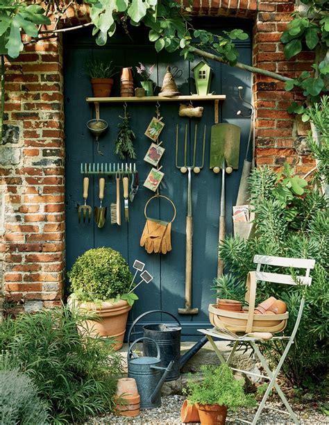 Diy Deco Jardin by Diy Jardin Des Pat 232 Res Pour Suspendre Les Outils De
