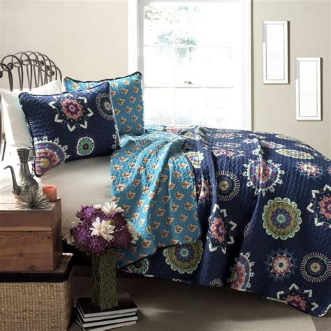 navy quilt bedding shop lush decor adrianne 3 piece navy full queen quilt set