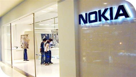 nokia mobile store nokia closes and retail stores in the uk and us