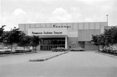 Center Hall Colonial malls of america vintage photos of lost shopping malls