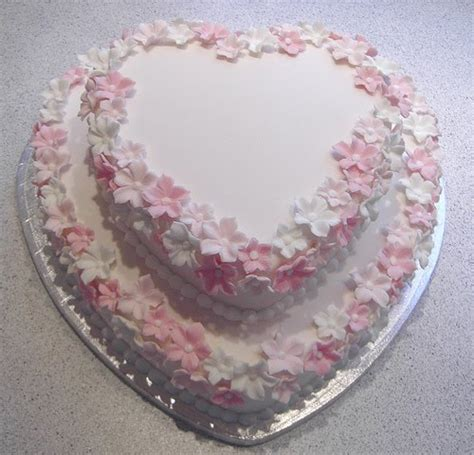 Decorating A Shaped Cake by Heartshaped Wedding Cakes Quot Cake Ideas Quot Food And Drink
