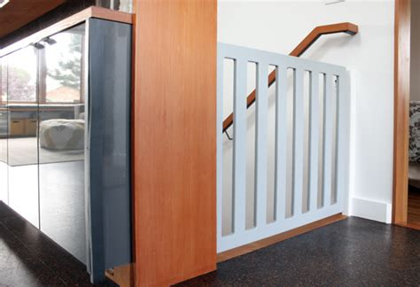 Best Stair Gate For Banisters Diy Baby Gate Chezerbey