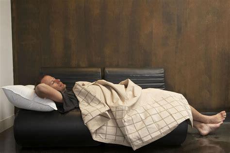 couch surfing cost come andare in vacanza spendendo poco le idee