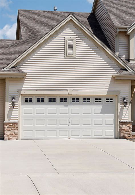 Overhead Door Indianapolis In Sectional Garage Doors Residential Garage Doors In Indianapolis