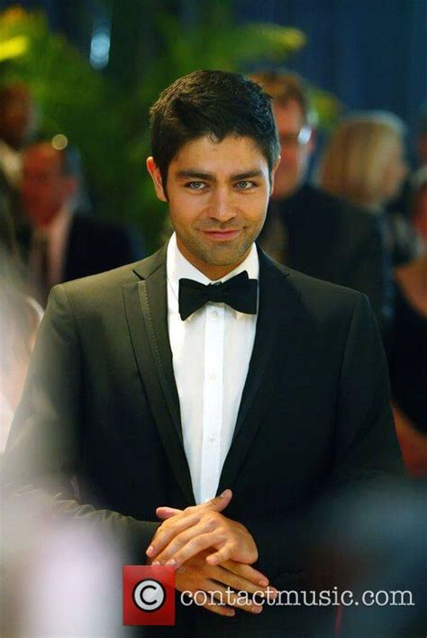 adrian grenier news photos and contactmusic
