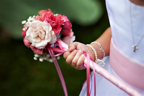 Best 25  Flower girl wand ideas on Pinterest   Wands for