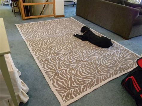 diy rug from upholstery fabric diy projects