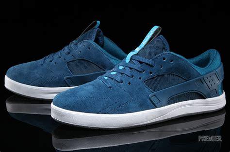Sepatu Nike Eric Koston Original eric koston s nike sb line gets a huarache upgrade sole collector