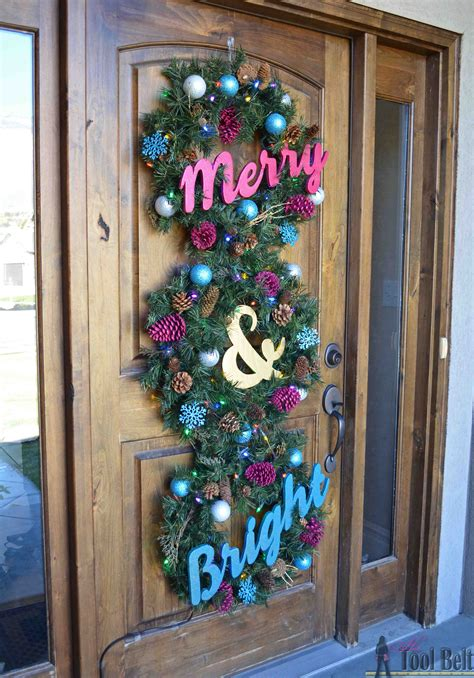 merry  bright christmas wreath trio  tool belt