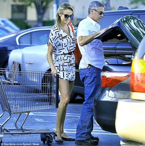 George Clooney To Drive Smart Car by George Clooney Grocery Shops In A Lexus Cars