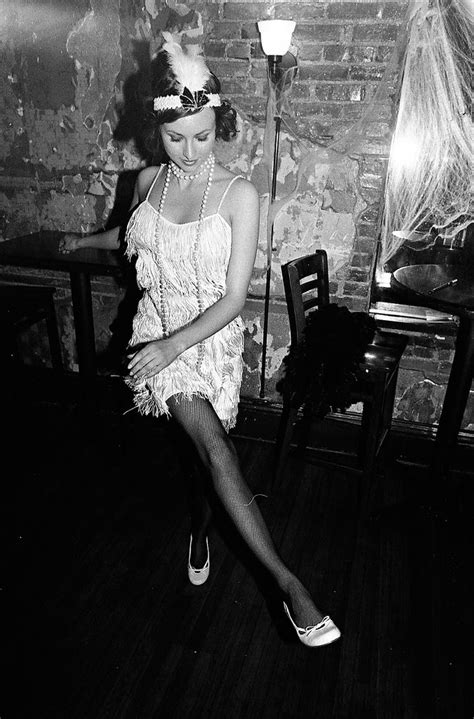 1920s flappers pictures 25 best images about 1920s on pinterest speakeasy decor