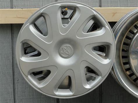2001 toyota corolla hubcaps purchase 2000 2001 2002 toyota corolla spoke 14 quot hub caps