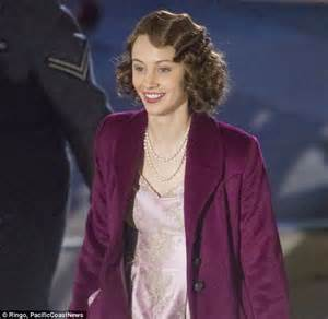 film queen elizabeth ve day film imagines how queen elizabeth fled the palace to join