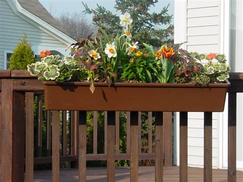 Hanging Deck Planters hang um planters announces the arrival of their new 24 194 hanging planters which joins our 36
