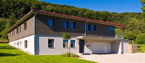 einfamilienhaus  hanglage mit garage klassischer