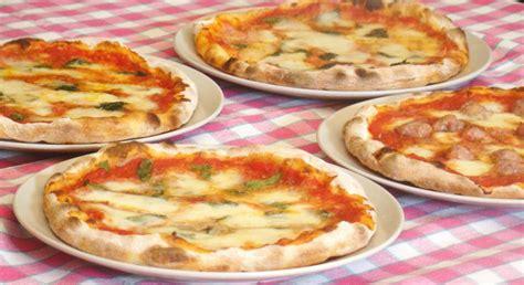 pizza in casa cottura pizza fatta in casa come in pizzeria impasto