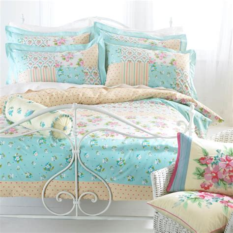 bedspreads and matching curtains set coffee tables country style bedspreads quilt sets with