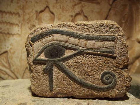 occhio di horus illuminati eye of horus and ankh amulet ancient