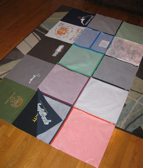 Quilt Makers Diy Basic T Shirt Quilt Tutorial Part 1 Totally Stitchin