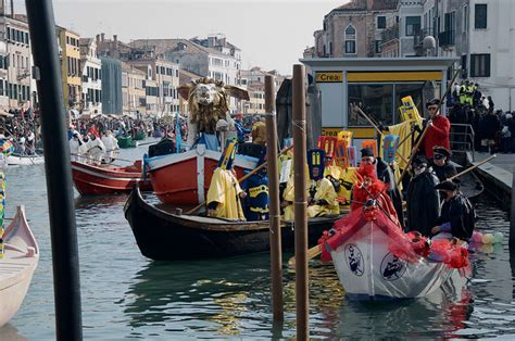venice boat parade 2017 everything about venice and murano glass