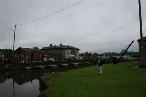 boat cruise yorkshire narrowboat annie north yorkshire cruise naburn lock to york