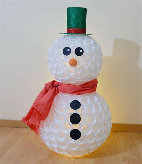 pupazzo di neve con bicchieri di carta pupazzo di neve con bicchieri di plastica tutorial