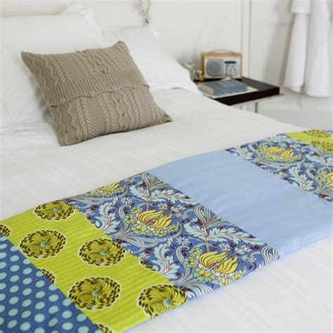 how to make the bed how to make a bed runner craft ideas