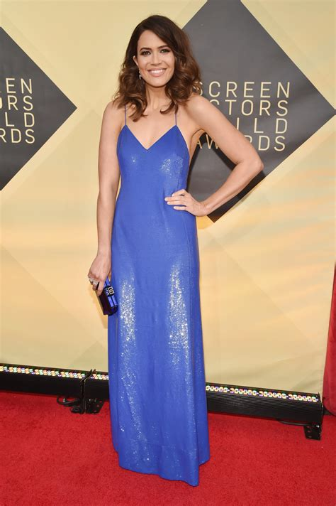The Shiny Awards Tonight by Mandy Rocked A Shiny Cobalt Gown At The Sag Awards