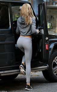 abbey crouch shows off her dancer figure in tight leggings daily mail online