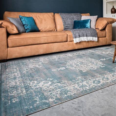 zwart vloerkleed landelijk vintage vloerkleed classic grijs blauw de woonwinkelier