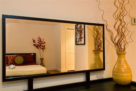 Cermin Yang Besar tips menata rumah kecil minimalis agar terlihat luas