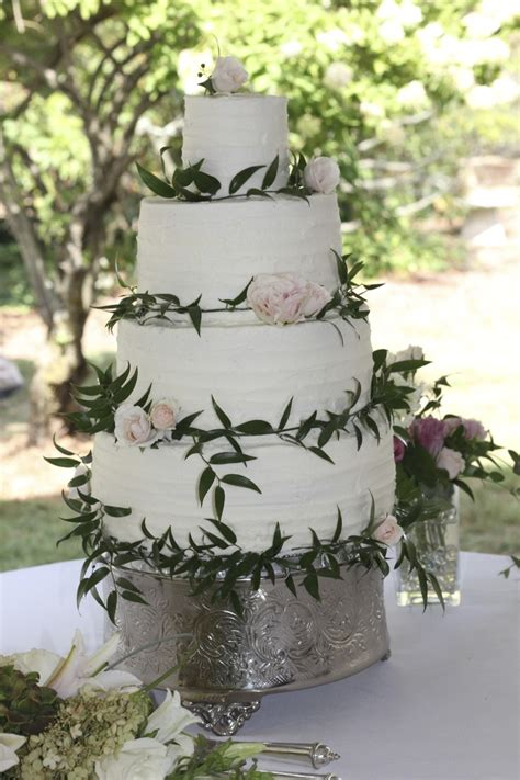Wedding Cake With Fresh Flowers by Simply Rustic Wedding Cake With Fresh Flowers