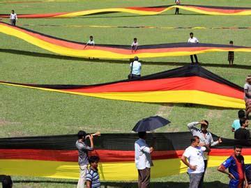 3.5 kilometre german flag unfurled by bangladeshi fan