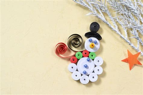 quilling snowman tutorial quilled snowman fun family crafts