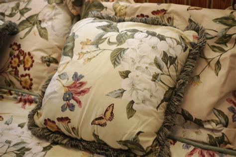 crown craft williamsburg williamsburg by crown crafts 90x77 king duvet comforter