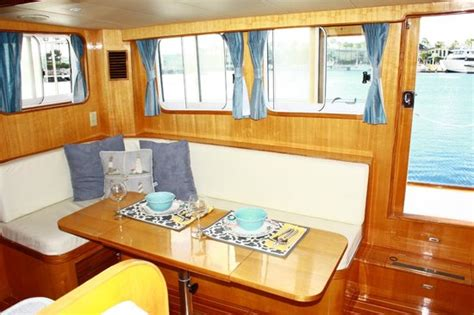 dockside boat and bed dockside boat and bed long beach kaliforniya oda ve