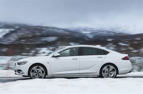 vauxhall insignia grand sport  turbo   review
