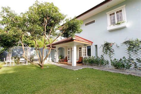 airbnb bandung perbedaan agoda booking com dan airbnb sewa villa di