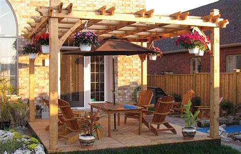 maintain  deck  pergola