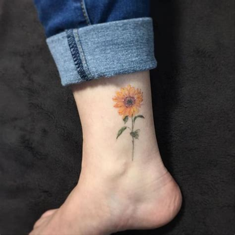 sunflower tattoo designs on foot small sunflower on foot www imgkid the