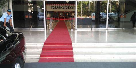 Karpet Gedung setelah diprotes karpet merah di gedung nusantara iii
