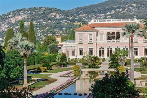 Weddings in South of France: wedding venues and wedding