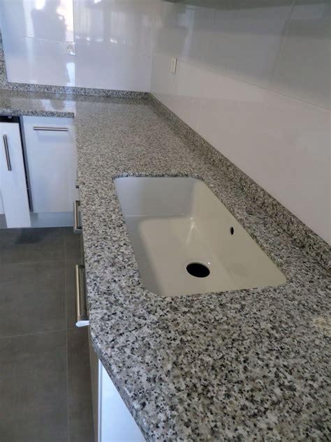 medidas de maras de ducha encimera de granito en valencia a un precio insuperable en