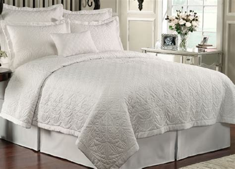 luxury white bedding lismore quilt white by waterford luxury bedding
