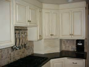 Chalk Painting Kitchen Cabinets Shades Of Goodbye Oak Cabinets Hello Beautiful