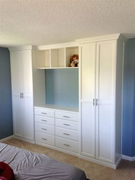 built  wardrobes  tv space